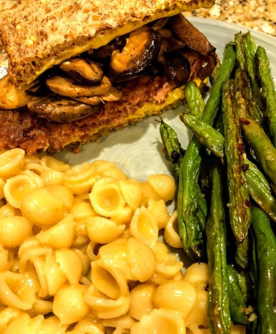 Vegan burgers, mac, and green beans